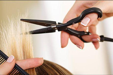 Vidste du.... At dit hår påvirker andre folks opfattelse af din alder? Bestil tid hos LK v. Nadja Resa i dag! - Dameklip inkl. striber, vask og føn - vælg mellem kort eller langt hår, værdi op til kr. 1500,-