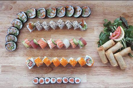 Man bliver helt lækkersulten :) - LEVERING MULIGT! 50 stk. take away sushi fra Sushi Station, værdi kr. 501,-