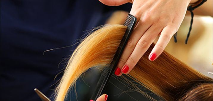 Et lækkert frisør tilbud du ikke må gå glip af! - Klip og reflekser inkl. vask og føn i skulderlangt hår hos Planet Salonen, værdi kr. 1000,-