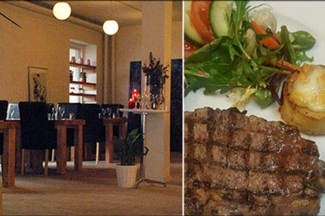 Velkommen på La Dolce Vita Fashion Cafe - 2 retters menu for 2 personer m. bruschetta og kalve-entrecote, værdi kr. 736,-