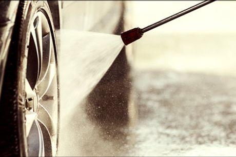 Gør din bil en tjeneste og slip selv for besværet! - En bilvask og indvendig rengøring af almindelig personbiler og stationcars ved Ren Bil Service, værdi kr. 699,-