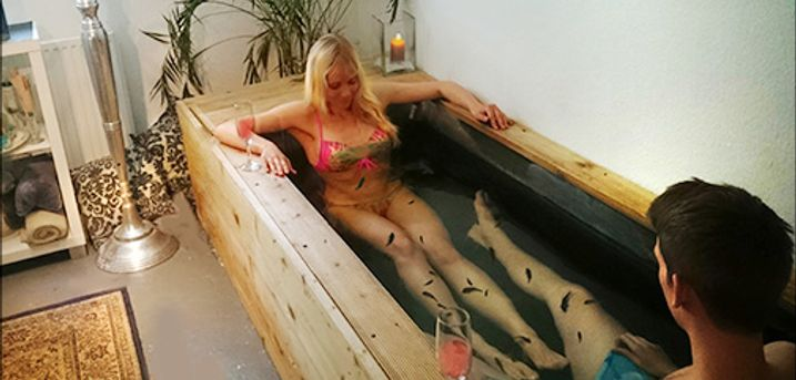 Den Ultimative Divine Spa hos Århus Fiskespa - For 1 pers. - 45 min. heldybsbassin + 45 min. massage + Body Butter i Århus, værdi 1100,-
