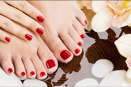 Flotte og velplejede hænder eller fødder - Manicure med shellac eller pedicure med shellac, værdi kr. 600,-