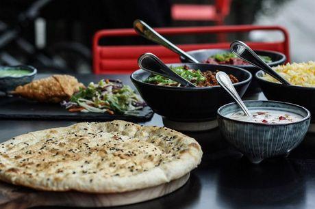 Spis med 33%. Rasoi: Traditionelt indisk køkken og nordisk design under VM-Bjerget til 4 stjerner i AOK.