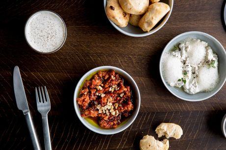 Spis med 33%. Mangal: Tyrkisk gastronomi i nordiske rammer, hvor klassiske opskrifter møder moderne twists.