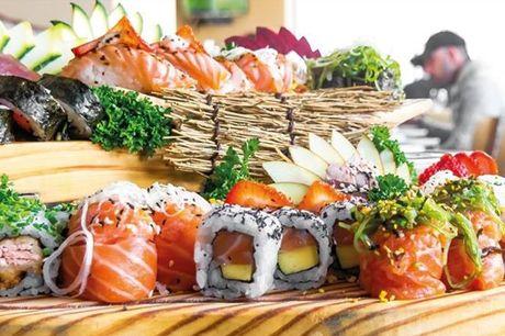 Agora já não tem desculpa. Este espaço é obrigatório para qualquer amante de um sushi de qualidade, frescura e sabores que nos transportam. Sushi Premium by Chef Honorato Regi + Sangria de Espumante - Honorato Sushi, por apenas 29€