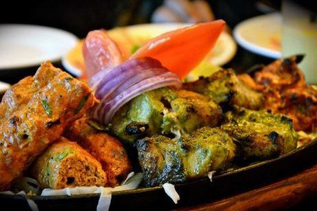 Namastê! Aproveite esta experiência e prove a cultura indiana no seu esplendor no Tamarind, um restaurante galardoado por apenas 29,90€
