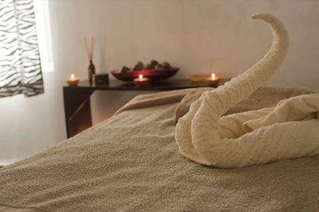 Experimente o poder da Massagem de Fasciaterapia, para uma ou duas pessoas, no espaço Sofia Yonah na Amarora, a partir de 22€