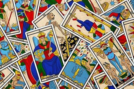 Descubra nas cartas o que o destino lhe reserva: Consulta de 60 min de Tarot de La Cruz, por apenas 14,90€ em Lisboa, presencial ou por telefone