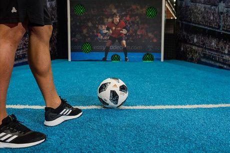 FOOTLAB: Divirta-se no melhor espaço de futebol com tecnologia de ponta, única no mundo: Pack 4 actividades, para 2 pessoas, por apenas 10,90€