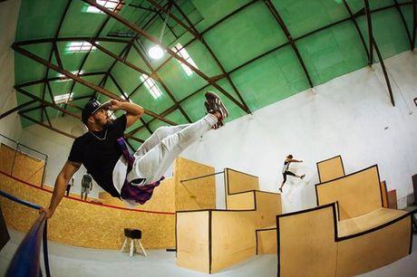 Gosta de acrobacias e liberdade de movimento? Experimente uma aula privada de Parkour sozinho ou acompanhado. Desde 19,90€