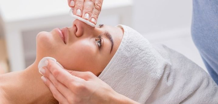 15-Minute Facial Treatment or Choice of 45-Minute Massage with Optional Facial at Baker Street Retreat