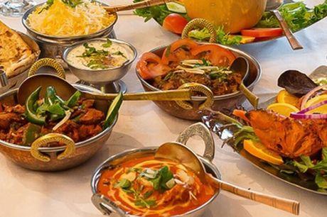 Repas indien avec entrée et plat ou plat et dessert pour 2 ou 4 personnes au restaurant La Porte du Punjab