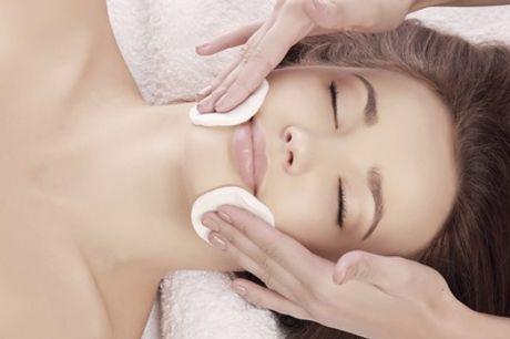 Limpieza facial con peeling químico, ácido hialurónico y opción a varios tratamientos desde 14,90 € en Clínica Vithalia