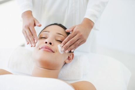 One-Hour Facial with Head, Hand or Foot Massage at Vitawell Medi