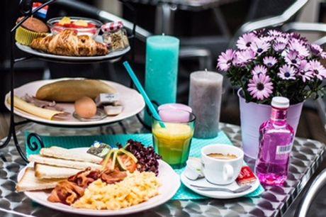 Driegangen High Tea voor 1-4 personen bij Cosy by Mandy in hartje Amsterdam