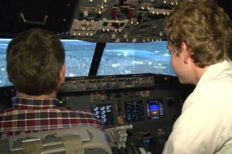 Vliegen in een Boeing 737 Flight Simulator bij FST Flight Simulator Training op Schiphol-Oost