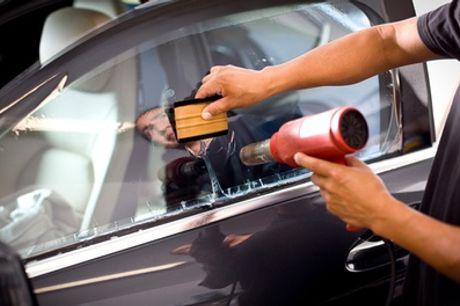 Scheibentönung für 3, 5 oder 7 Scheiben eines Pkw der Kompaktklasse bei Car Wash Chaussee (bis zu 55% sparen*)