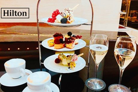 Champagner mit Schoko-Fruchtspießen, Kaffee und Kuchen in der Listo Lounge im Hilton Berlin (bis zu 50% sparen*)