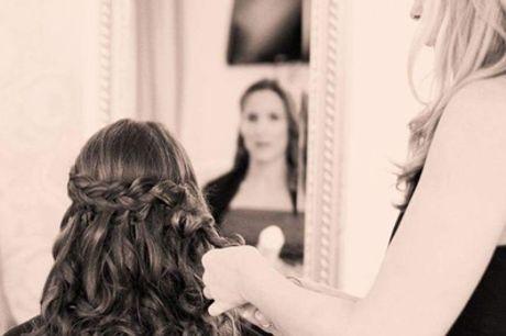 Waschen, Schneiden, Föhnen, Kur opt. mit Augenbrauen zupfen bei Claudia Goldbach Hair Art (bis zu 51% sparen*)