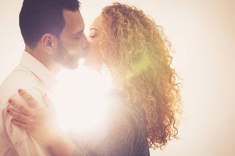 Love-fotoshoot voor koppels incl. 1 óf 3 afdrukken + waardebon bij PicturePeople Fotostudios