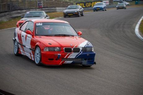 Zelf racen of taxi-racen op het circuit van Zandvoort of Assen voor 1 of 2 personen via Coureurvooreenuur