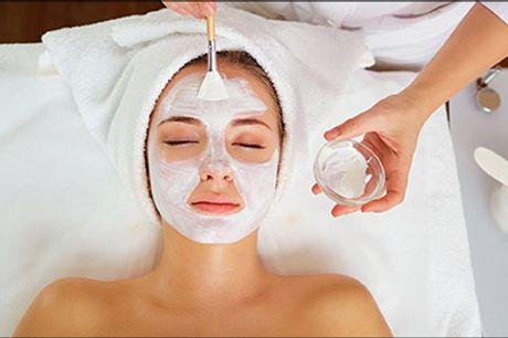 Forkæl din hud med en skøn og luksuriøs ansigtsbehandling hos May Secrets Clinic! - Frugtsyre PLUS - Ansigtsbehandling med peeling, frugtsyre, serum, High frequency machine mm. værdi kr. 600,-