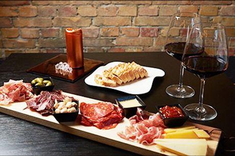 Super pris på frokost takeaway for 2 - Prøv den lækre takeaway fra populære Vino Y Pintxos på skøn frokost-tapas for 2 personer, værdi kr. 300,-