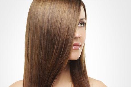Lissage brésilien à la kératine pour tout type de cheveux au salon de coiffure Ozana