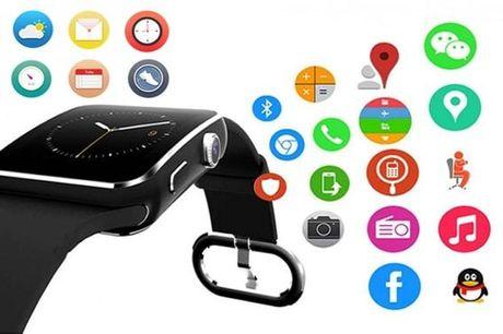 Stilrent Bluetooth smart ur der tracker din søvn, kan foretage samt besvare opkald, finde din mobil og måle antallet af skridt