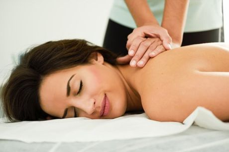 Experiência para 1 ou 2 pessoas. Escolha uma das massagens: relaxamento, desportiva ou modeladora. Pode ainda terminar com uma sessão de pressoterapia para relaxar e se sentir mais leve. Viva este momento de bem-estar a sós por apenas 19,90€ ou a dois por