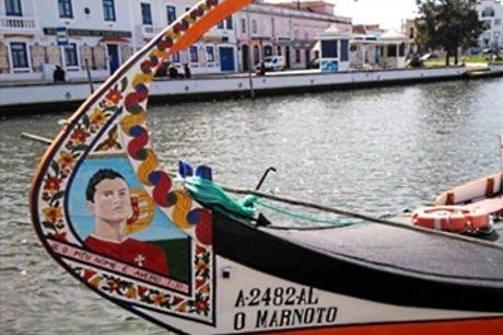 Passeio de Moliceiro ou Mercantel em Aveiro + Visita Guiada às Salinas | 2 Pessoas por 31€. O Encanto de Veneza em Portugal.