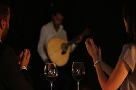 Fado Vadio para Dois com Jantar e Bebida + Tour por Lisboa Antiga, com Guia Fadista por 80€
