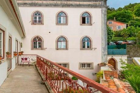 Águamel Sintra - Boutique Guest House: 1 ou 2 Noites com Pequeno almoço no Centro Histórico de Sintra. Romance num Cenário Encantado!