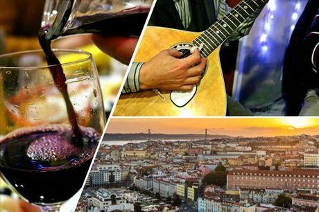 Vale a pena fazer esta tour para conhecer melhor a história do fado português. Inclui espetáculo, petiscos e ainda um copo de vinho. Experiência por apenas 19,90€.