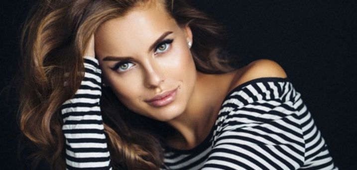 Wash, Cut and Blow-Dry with Optional Half Head Highlights or Full Head Colour at Beauty on the Spot