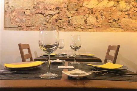 Escolha uma boa companhia e desfrutem desta refeição. Menu completo para duas pessoas por apenas 42,90€.