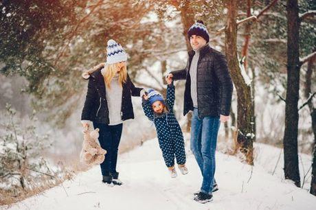 Registe momentos de brincadeira e ternura entre a sua família. Sessão Foto Família, por apenas 39,90€.