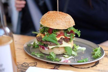 Menu d'asporto con maxi hamburger di Chianina, patatine e bevanda da La Fraschetta Romanesca (sconto fino a 30%)