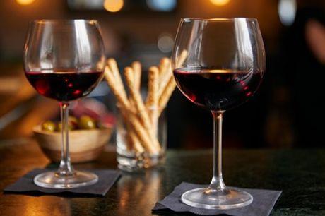 Den Haag: wijnproeverij met hapjes voor 2-10 personen bij Wijnhandel Alvarez
