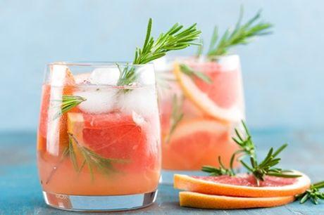Exotischer Cocktail oder Long Drink á la carte für 1 bis 4 Personen im Gran Caffee Ti Amo (bis zu 34% sparen*)