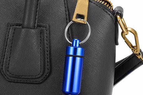 Waterdicht aluminium pillenkokertje De ideale oplossing voor op reis en activiteiten in de buitenlucht. Vergeet nooit meer je medicijnen. Gemaakt van lichtgewicht aluminium. Ideaal voor festivals