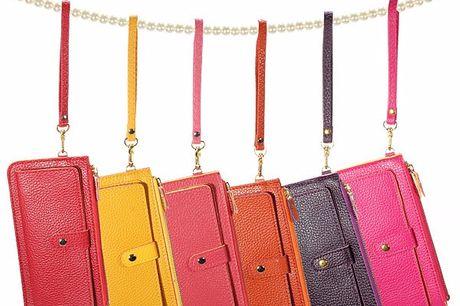 Color Wallet Handig formaat. Genoeg vakjes voor alle pasjes, briefjes en muntgeld. In 6 vrolijke kleuren verkrijgbaar.