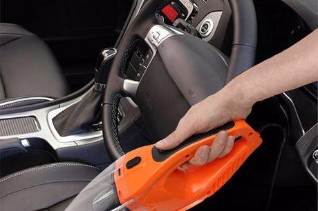 100W autostofzuiger Maak het stofzuigen van je auto een stuk makkelijker. Nooit meer onhandig doen met haspels. Sluit je op de 12V sigarettenaansteker in je auto. Snoer van 5 meter. Geleverd inclusief accessoires