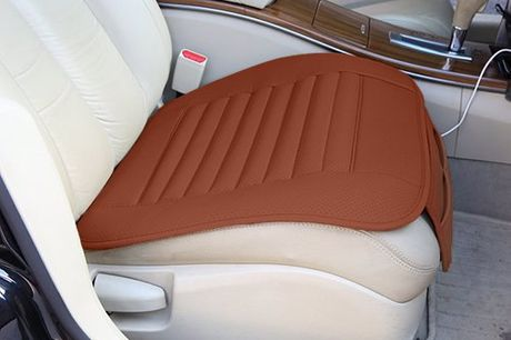 Luxe autostoel beschermkussen Zowel simpel als effectief. Kan snel geplaatst worden. Zorgt voor een frisse look en een comfortabele zit. Bovendien beschermt het kussen de bekleding van je auto tegen beschadigingen. Verkrijgbaar in 4 kleuren