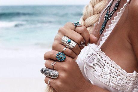 Bohemian turquoise 9-delige ringen set Hippie chic is de festivaltrend van het moment. Dit setje van negen ringen maken je de hippieprinses van de festivalweide. Draag ze apart of combineer.