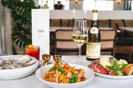 Spis med 33%. The Modern: Internationalt køkken med nordisk elegance ved Sankt Annæ Plads.