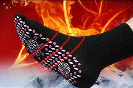 Giver en behagelig varme i fødderne! - 1 par sokker med tourmaline FIR massage pads fra The 99 inspirations, værdi kr. 169,-