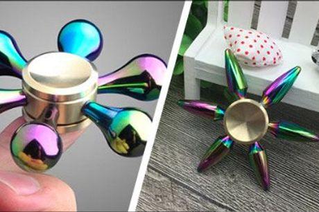 Hjælp koncentrationen på vej! - 3 stk. luksus Fidget Spinners i flot etui fra Unique By Chanell, værdi kr. 687,-