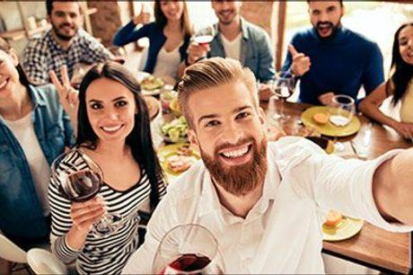 Smag på Spaniens skønne druer med dejlige vine leveret fra delikatessefirmaet San Jamon! - Skønne vinkasser med 12 flasker, vælg mellem kasse med Cava og Rosé eller kasse med rødvin, værdi op til kr. 1368,-